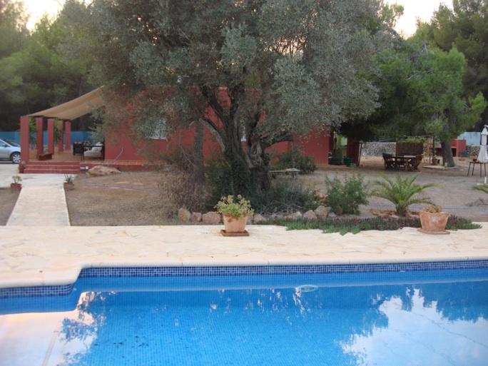 Alquiler anual se alquila casa de campo 3 dormitorios 2 for Casa de campo con piscina privada