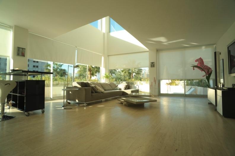 Venta duplex planta baja 2 dormitorios jard n privado - Salon doble altura ...