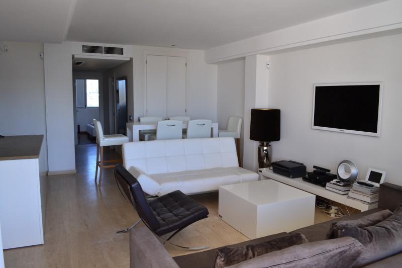 Venta apartamento en talamanca decorado por eric kuster for Decoracion de interiores pisos modernos