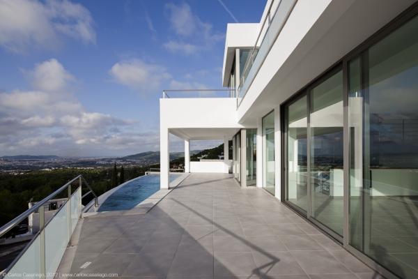 Venta ibiza casa minimalista vistas al mar can furnet for Casa minimalista caracteristicas