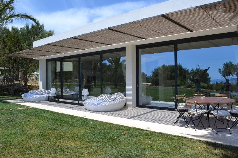 Alquiler turistico alquiler casa tyane villa minimalista for Casa minimalista 2 dormitorios