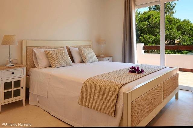 thumbnail_Habitacion cama matrimonio madera.1